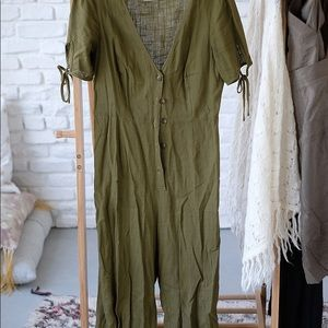 UO army green jumpsuit size M good condition